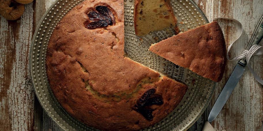 Κέικ με ξερά σύκα και κονιάκ