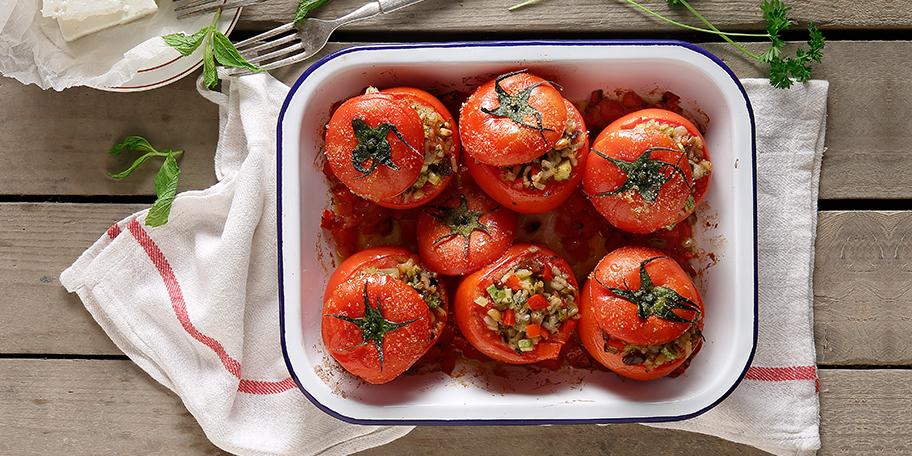 Ντομάτες γεμιστές με κιμά λαχανικών στον φούρνο